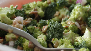 Broccoli Salad (Brokoli Salatasi)