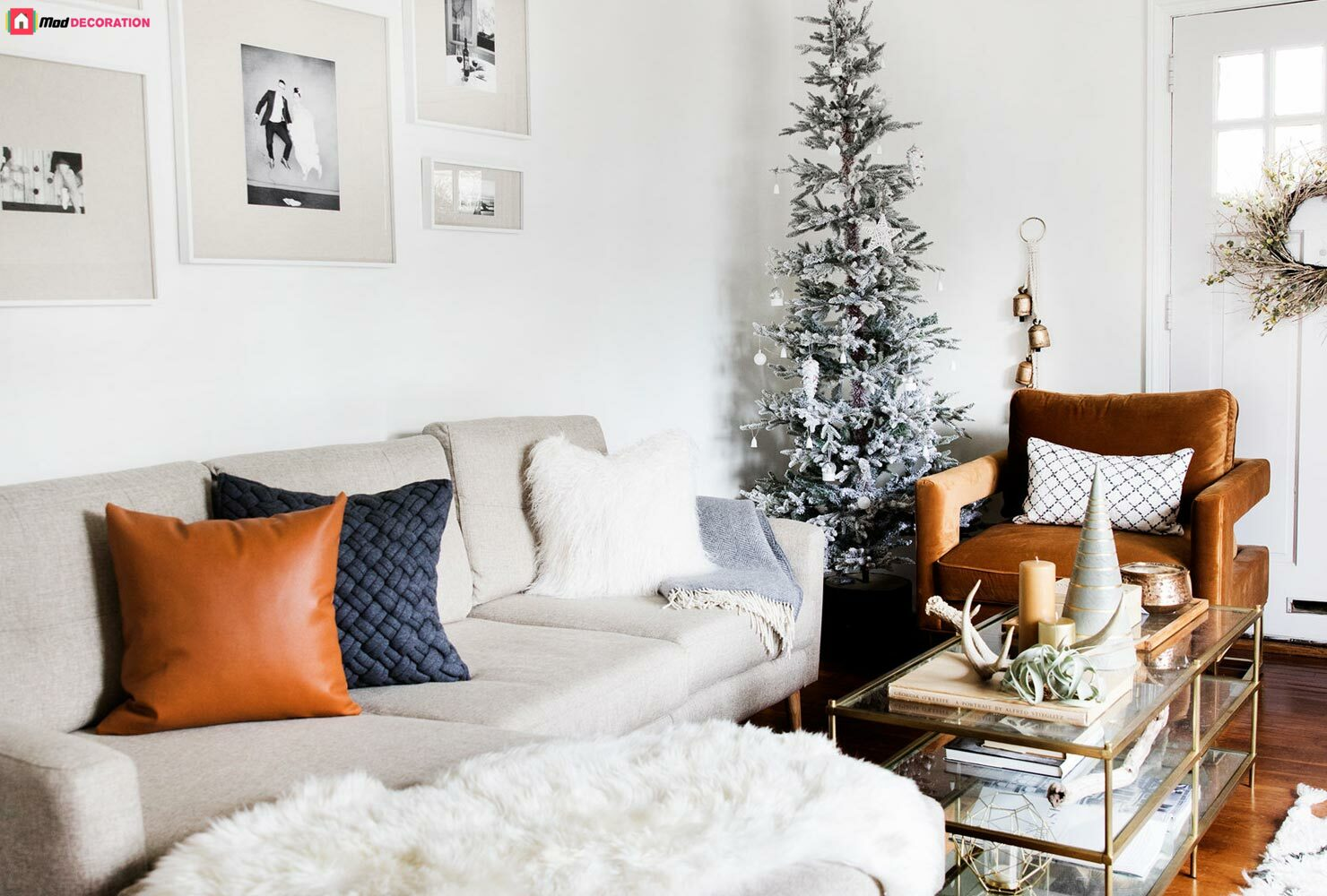 15 Ways To Decorate A Small Living Room And Create Space.