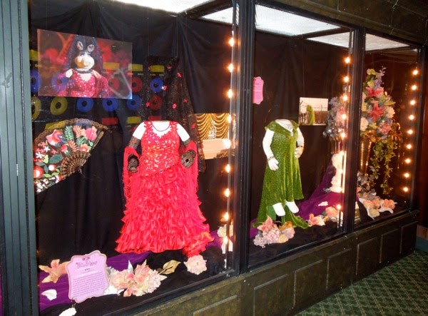 Muppets Most Wanted Miss Piggy costume exhibit