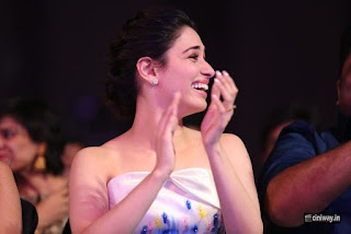 Tamannaah-Stills-at-Filmfare-Awards-South-2016