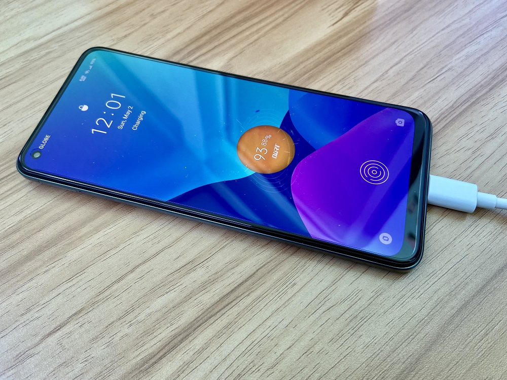 realme 8 while charging