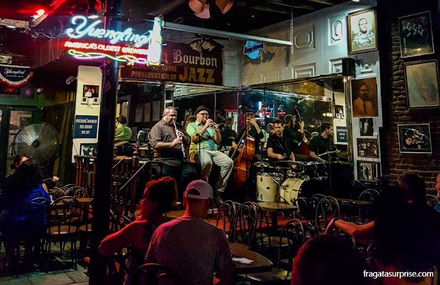 Maison Bourbon Jazz Club, na Bourbon Street, Nova Orleans