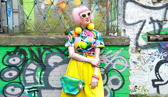 rainbow look, pink hair, quirky style