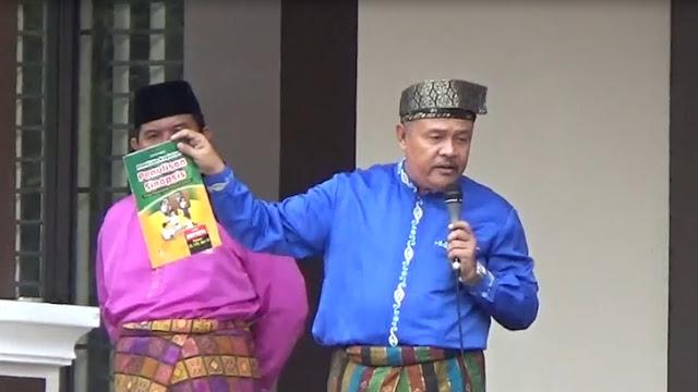 Kepala Sekolah SMP Negeri 4 Pekanbaru, H. Ridwan optimis dengan buku sinopsis mampu menjembatani karya siswa