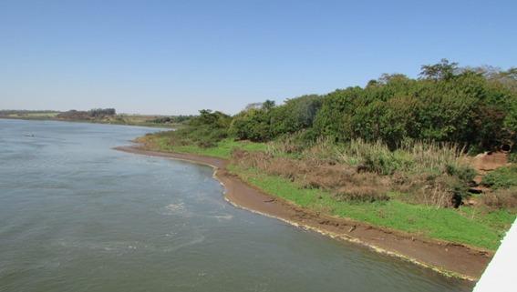 Baixo nível do Rio Grande afeta economia de pescadores da região