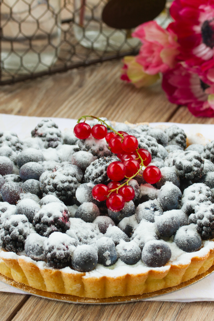 Blackberry #cake, a delicious cake, prepare it in very easy steps and present it to your family as a delicious #dinner cakes. #cakerecipes #cakesrecipes #cake #cakes #recipes #coffeecakerecipes #coffeecake #coffee