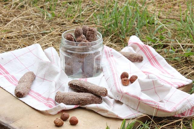 Cuillère et saladier : Ciambelline al vino e cacao (biscuits italiens au vin rouge et cacao) - vegan