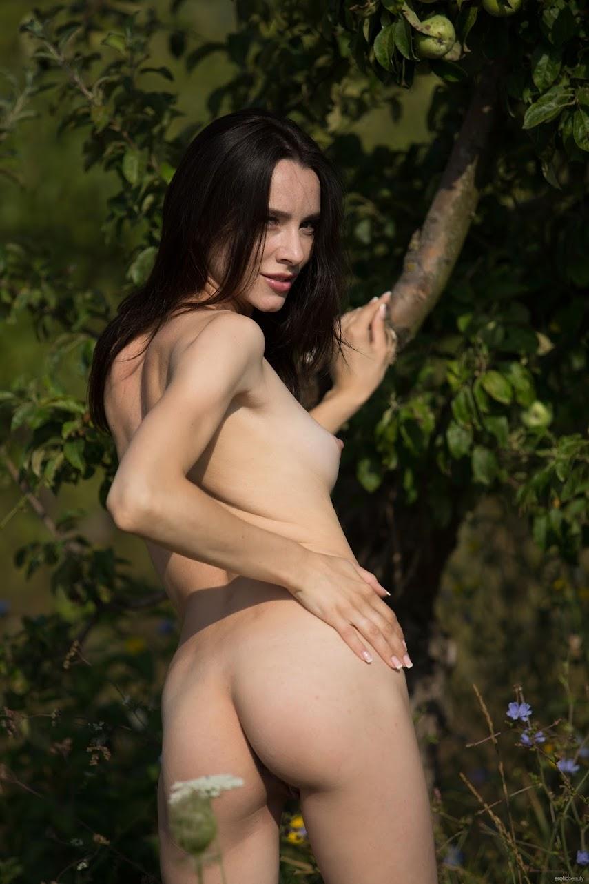 [EroticBeauty] Adel Morel - Green Apples eroticbeauty 05130