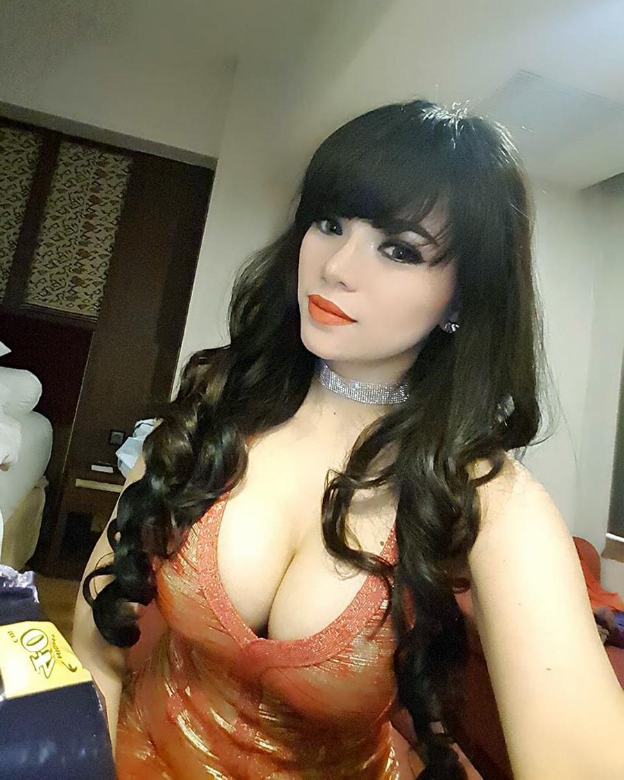 DJ Seksi Dinar Candy cewek manis leher indah dan seksi imut