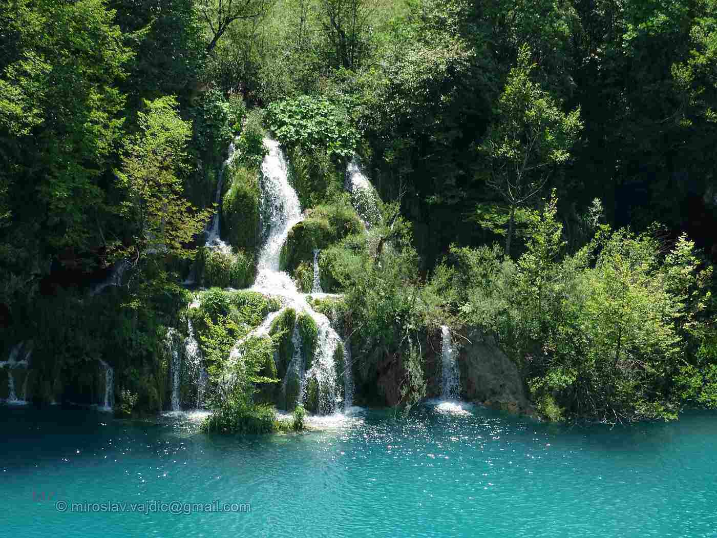 plitvice lakes - 20 best things to see and do around the world