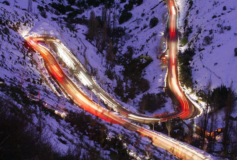 ¿Es necesario el cinturón de seguridad en caminos de montaña?