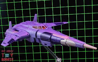 Transformers Kingdom Cyclonus 46