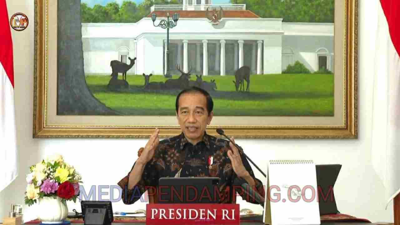 Presiden Minta TNI dan Polri Respons Cepat Naiknya Kasus Covid-19 di Luar Jawa-Bali