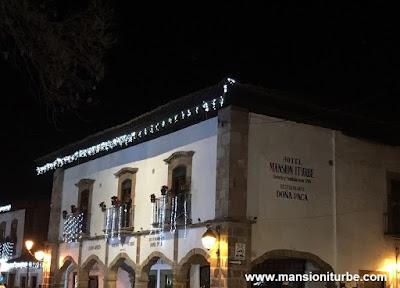 Hotel Mansion Iturbe in front of Vasco de Quiroga Square