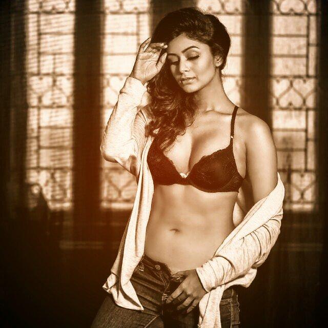 Bollywood Actress Ritabhari Chakraborty Hot Gallery Actress Trend