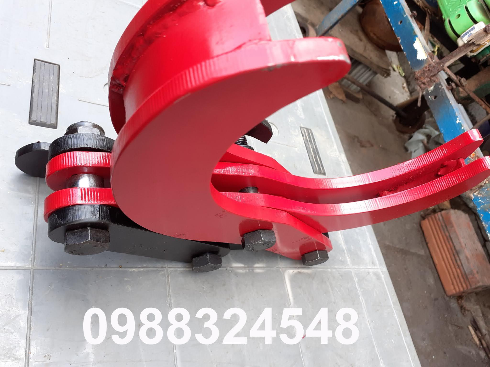 Kẹp nâng ống thép tròn