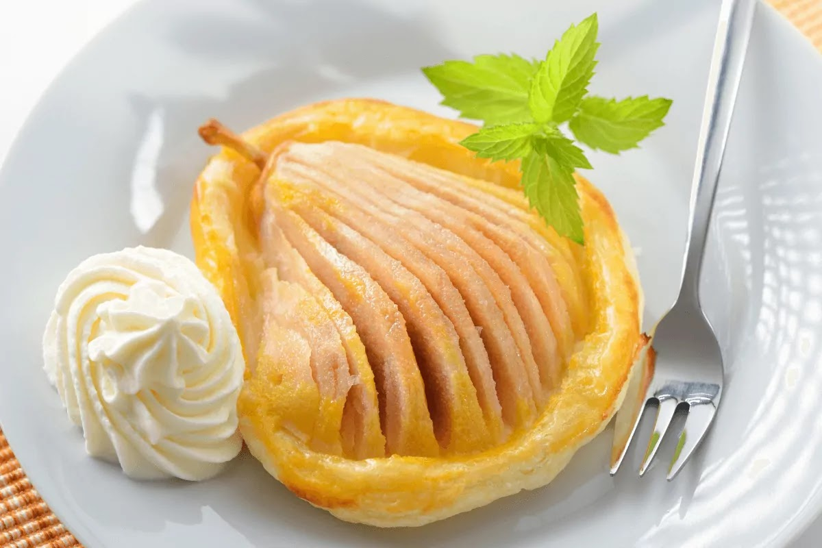 Pear with honey on jus rol puff pastry