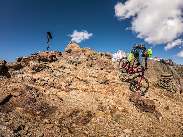 Bivacco Battaglione Skiatori Monte Ortles Mt. 3120 mü.A. - Cima di Vallumbrina 3220 m.ü.A