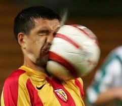 Gambar Lucu Sepak Bola