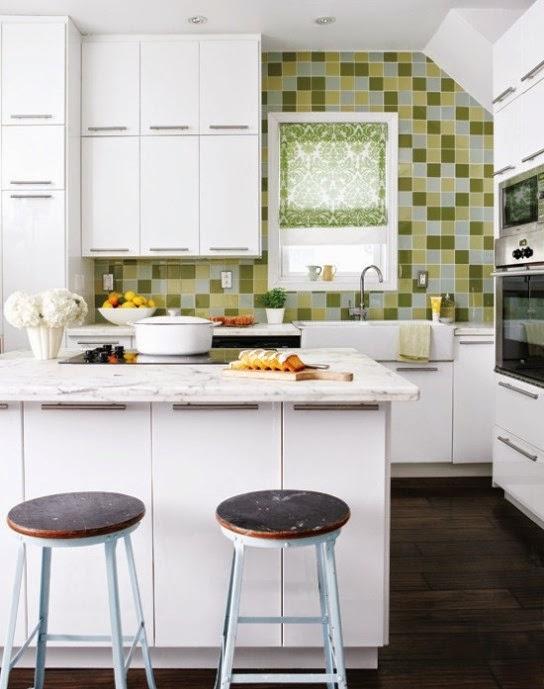 Contoh desain dapur minimalis yang nyaman dengan keramik mozaik