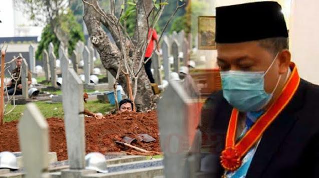 Fahri Malah Sedih Usai Terima Bintang Tanda Jasa: Kita Diberikan Kavling Kuburan