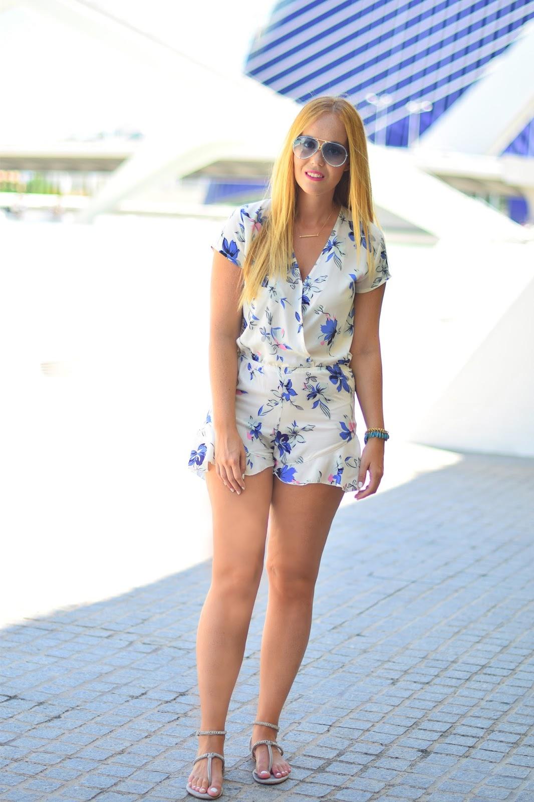 nery hdez, yrb fashion , carolee, porsche design, valencia, floral print
