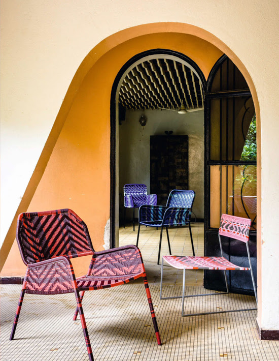Safari Fusion blog | Colour crush: Ochre | Malian furniture designer Cheick Diallo beautiful chairs against an ochre wall backdrop via Elle Decoration South Africa