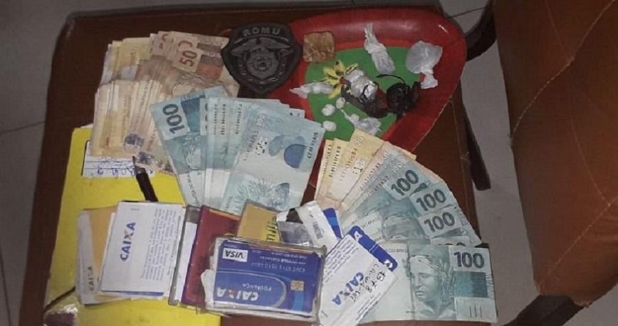 Homens com drogas e 16 cartões do Bolsa Família foram presos pela Guarda Civil de Petrolina (PE) - Portal Spy