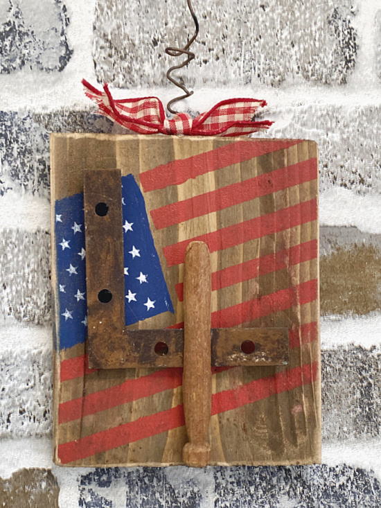 4th of july clothespin sign