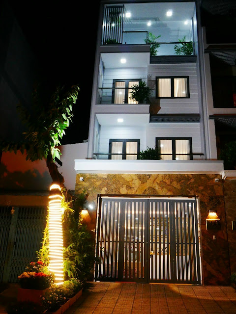 Nhà MT đường 14m: 5x18 nhiều cây xanh, 4 PN, nội thất cao cấp 11.2020