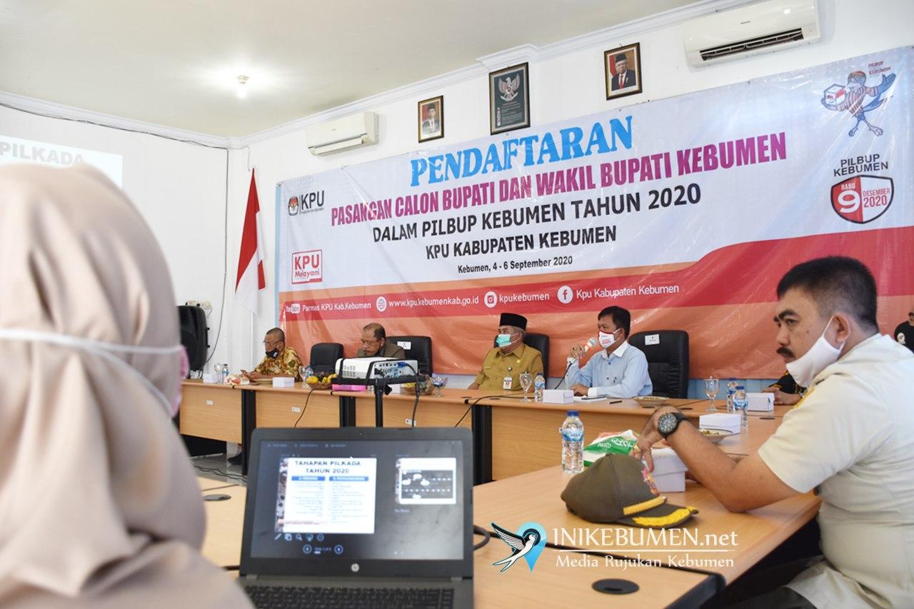Pendaftaran Paslon Diperpanjang, Yazid Mahfudz Sambangi KPU dan Bawaslu Kebumen