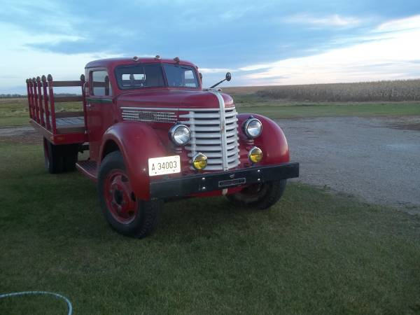 1947 Diamond T Truck Has Been Restored