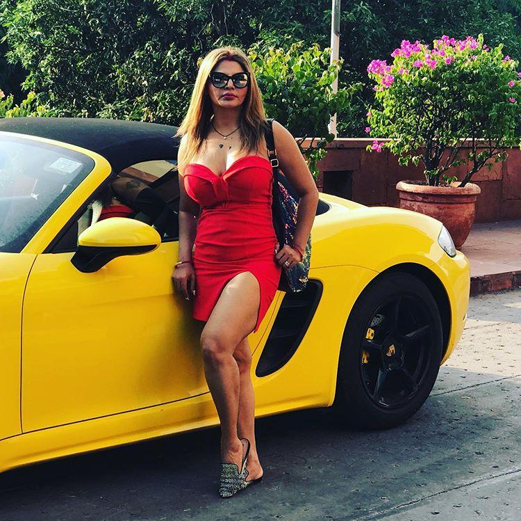 Short Dress Rakhi Sawant Hot Photoshoot pic