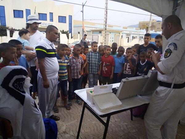 هكذا ترافق المصالح الأمنية العائلات والمصطافين بشواطىء الشلف