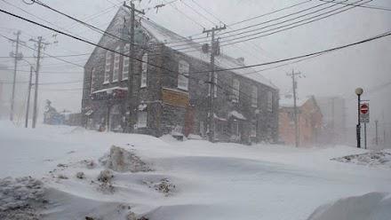 Χιονοθύελλα έπληξε τον Καναδά (video)