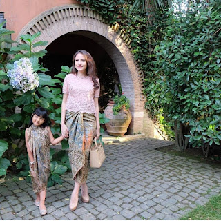 Inspirasi Ibu dan Anak Kebaya Batik Indonesia