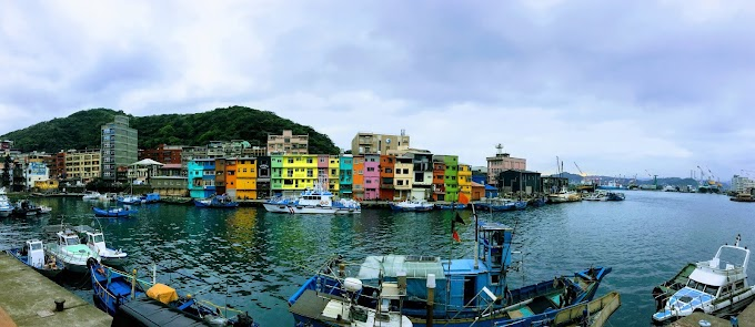Keelung,Zhengbin Fishing Port-the old fishing port turned into a colorful rainbow house