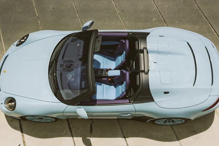 Siêu xe Porsche 911 Speedster 'hàng hiếm' phối màu lạ mắt
