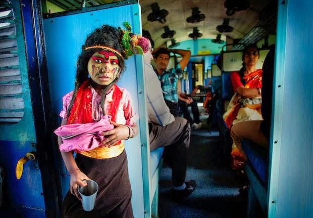 'Açık - İnsan' kategorisinde ödülü 'Yoksul Tanrı' adlı fotoğrafı ile Hindistan'dan Arup Ghosh aldı.