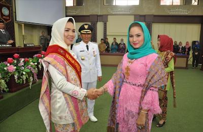 Yustin Ficardo Lantik Partinia Parosil Pimpin PKK, Dekranasda dan PAUD Lampung Barat
