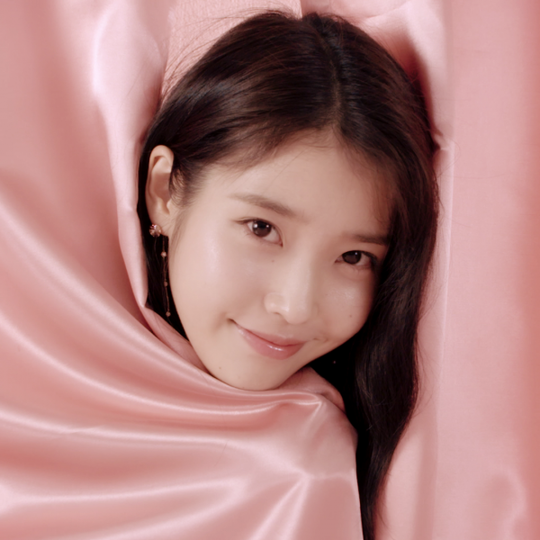 Jewelry Brand J.ESTINA release the video of Singer IU who looks so lovely in pink colors!