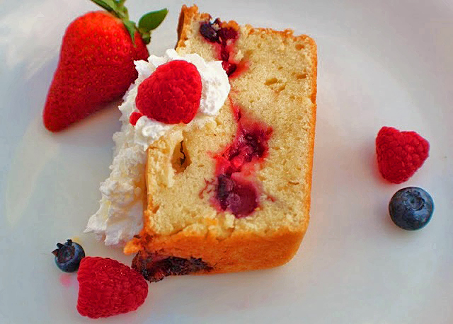 this is pound cake with fresh berries and whipped cream