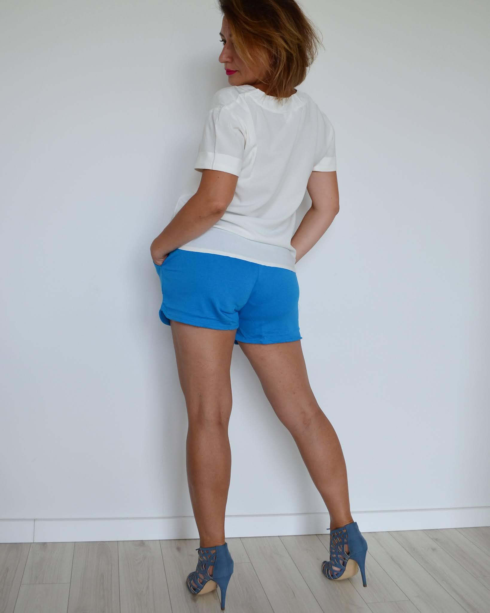 wiskozowa bluzka Bonprix,bawełniane szorty Bonprix,@adrianastyle_stylist,luźny styl,Styl miejski,codzienna stylizacja,www.adriana-style.com,Letnia stylizacja,Blog modowy,Fashion,moda,
