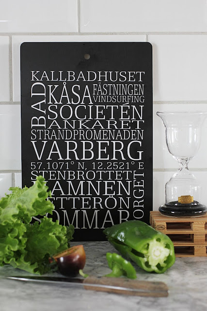 annelies design, webbutik, webbutiker, webshop,nätbutik, nätbutiker, varberg, ord, skärbräda, svartvit, svartvita, svart och vitt, landmärken, timglas, kök, skärbrädor, bricka,brickor,