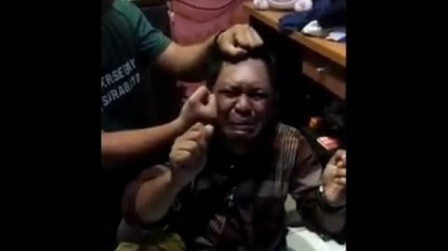 Bapak-bapak Nangis Digebuki Sampai Bonyok karena Colong Nasi Buat Makan