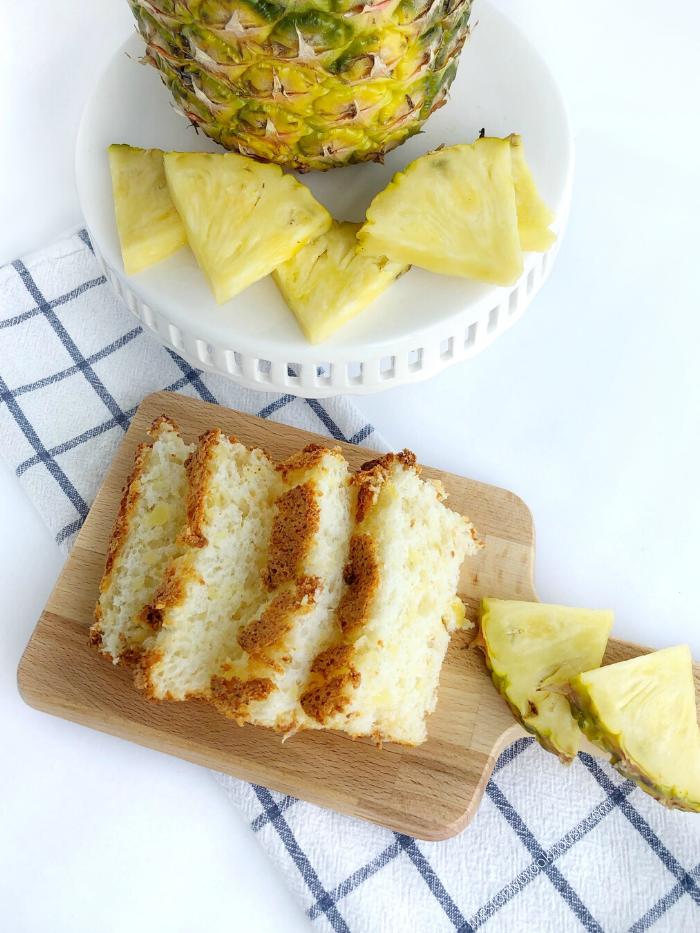 Sliced Pineapple Sponge Cake