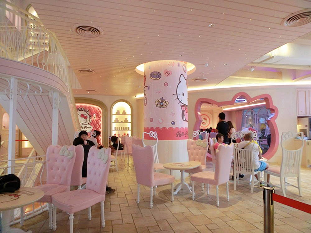 Amelie S Blog Amelie In Bangkok Hello Kitty Cafe Part 2