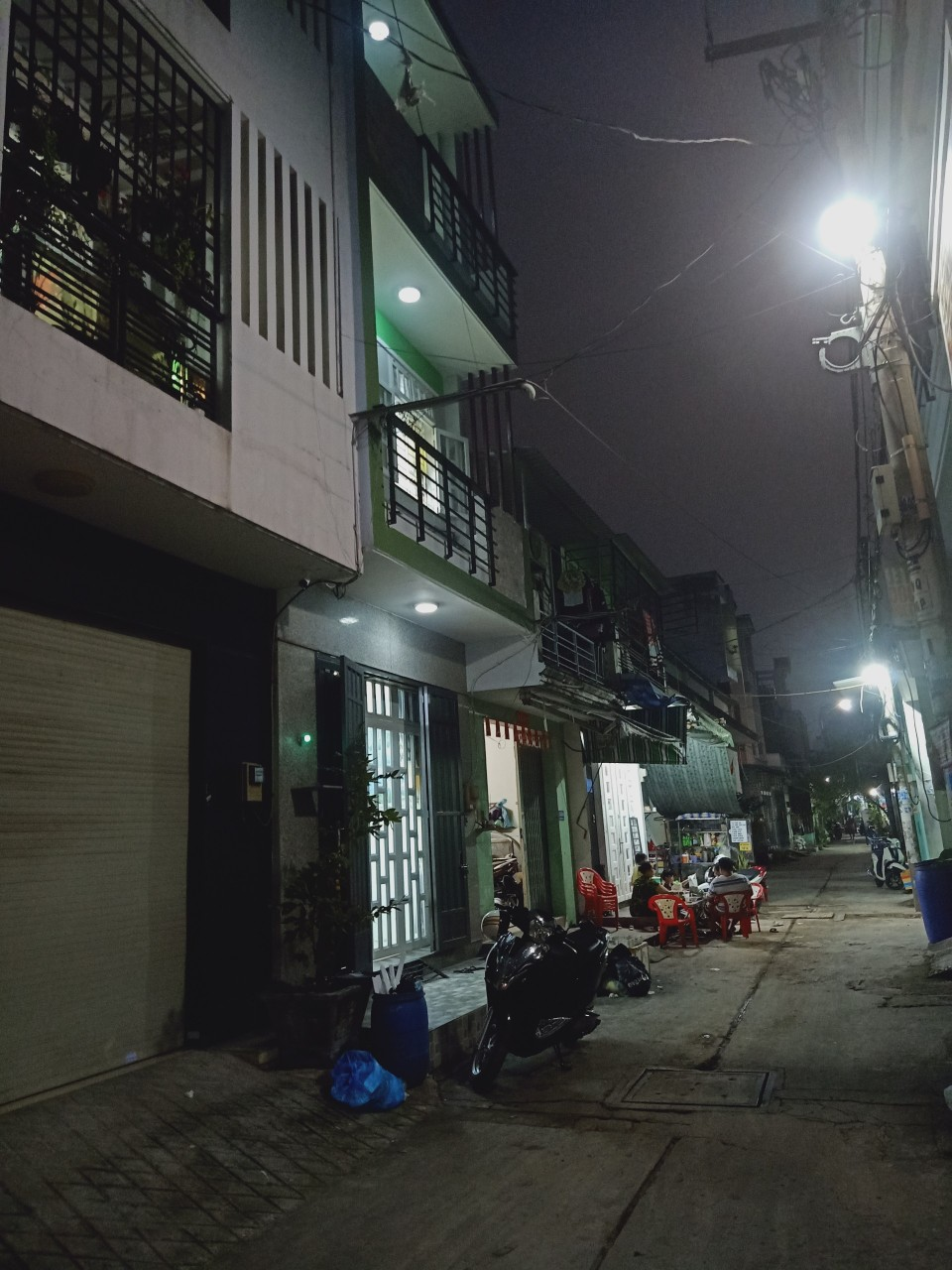 Bán nhà 2 lầu hẻm 413 Lê Văn Quới quận Bình Tân dưới 4 tỷ mới nhất 2021