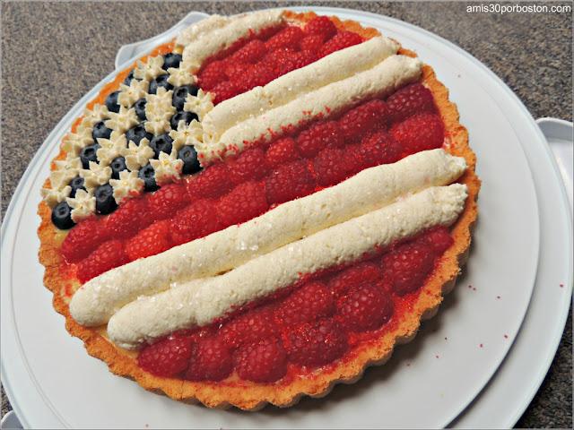 Tarta Bandera Americana con Frutas, Nata y Crema