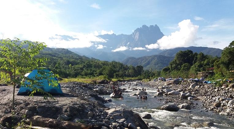 Harga bilik dan camping di Nahandang Homestay & Campsite